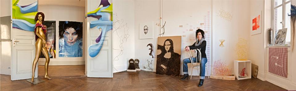 Emmanuelle Jenny dans son atelier