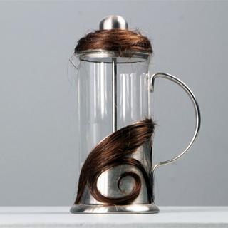 Emmanuelle Jenny artiste Mulhouse art contemmporain détournement cheveux cafetière sublimer choquer repoussoir